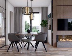 CENTRU Apartament 3 camere, 2 bai, terasa, decomandat, etaj intermediar
