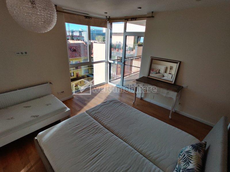 Apartament 4 camere, central, mansarda, Platinia