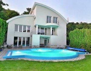 Vila de inchiriat, 7 camere, piscina, 385 mp, teren 850 mp, Grigorescu