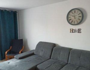 Apartament 4 camere, 80 mp, decomandat,  balcon, etaj 3 din 4  Zorilor