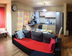 Apartament 3 camere, 2 bai, mobilat, zona Terra
