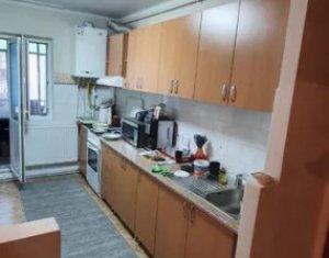 Apartament decomandat in zona FSEGA, suprafața 57 mp si balcon de 8 mp, garaj