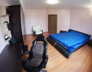 Apartament 2 camere decomandat CENTRU pe Motilor
