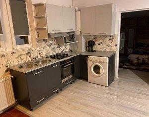 Apartament la casa, 35 mp, curte comuna, zona strazii Paris