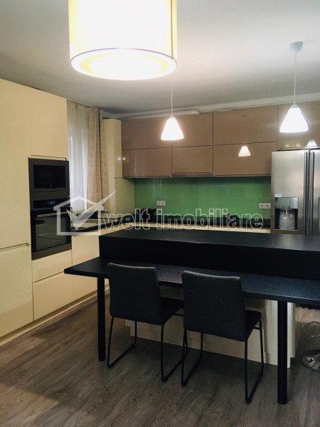 Zona ZORILOR-EUROPA - Apartament de 4 camere, 80 mp, terasa 60 mp, parcare, boxa