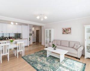 Inchiriere apartament 2 camere, lux, garaj, Centru
