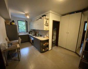 Apartament 2 camere+terasa 100 mp, parcare, Borhanci, zona strazii Erich Bergel