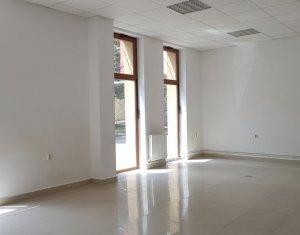 Inchiriere spatiu birou, parter cu vitrina mare, zona piata Garii