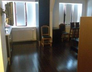 Apartament cu 2 camere mobilat si utilat, zona CENTRALA