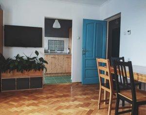 Apartament COCHET cu 3 camere decomandate, mobilat si utilat, zona Manastur