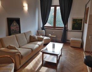 Inchiriere apartament cu 3 camere, renovat recent, str. Republicii