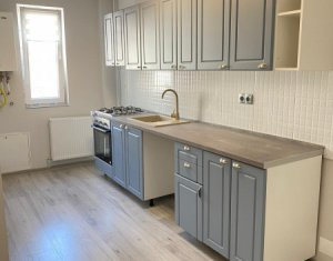 Vanzare apartament 2 camere, situat in Floresti, zona Parc Poligon