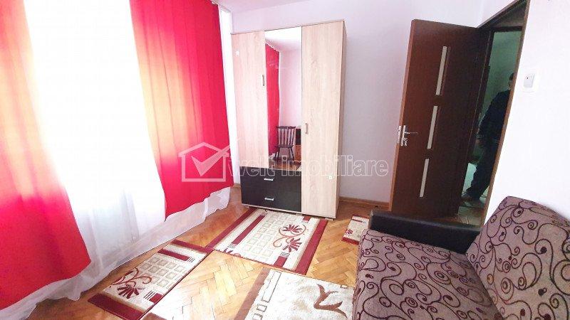 Apartament 3 camere decomandat, strada Moldoveanu, Manastur