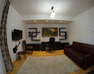 Apartament 2 camere, cartier Zorilor, cu garaj subteran plus 32mp terasa