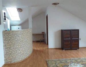 Apartament 3 camere, decomandat, 115 mp, Someseni