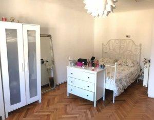 Apartament cu o camera ultracentral in imobil istoric, pet friendly cu parcare