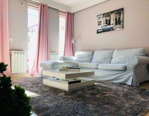Închiriere apartament 2 camere, 50 mp, parcare, Andrei Muresanu
