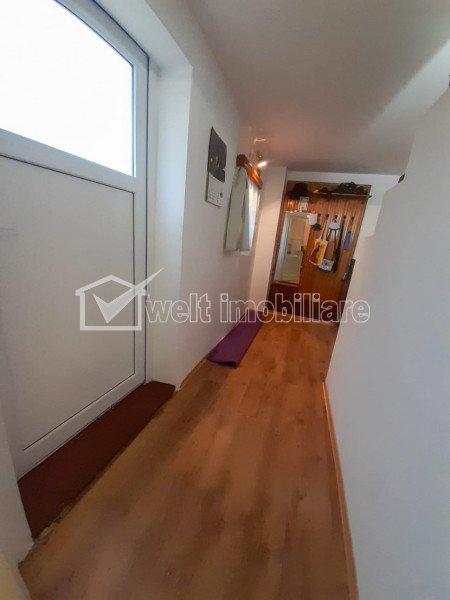 Apartament cu o camera decomandat, spatios, cu parcare si terasa la curte comuna