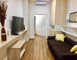 Apartament ultracentral cu 2 camere decomandate si terasa de 20 mp, Eroilor