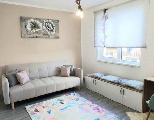 Vanzare apartament cu doua camere, ultrafinisat, Floresti, zona Sub Cetate