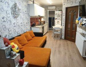 Apartament 2 camere, etaj intermediar, zona Auchan