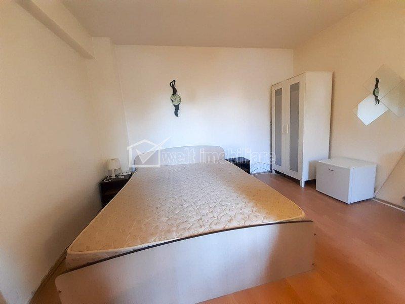 Apartament cu o camera si balcon spatios, Plopilor, confort sporit, pet friendly