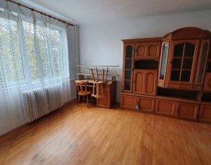 Apartament cu doua camere decomandat, Piata Mihai Viteazu