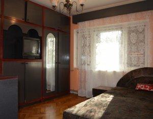 Inchiriere apartament cu 3 camere, 80 mp, decomandat, zona Fabricii Marasti