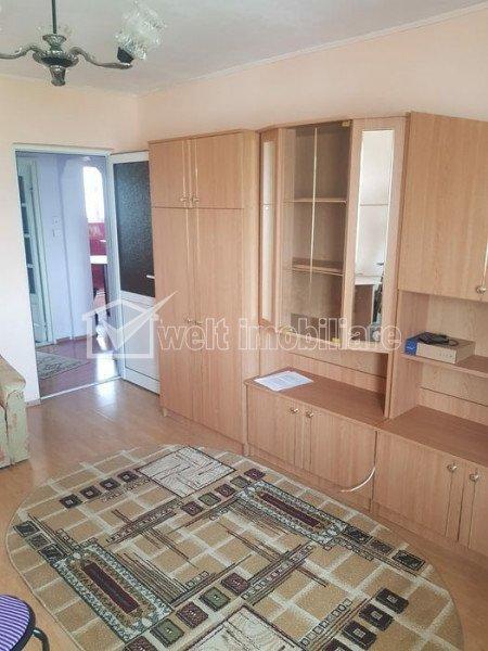 Vanzare apartament cu 2 camere, zona strazii Primaverii, decomandat