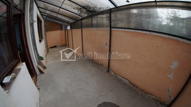 Casa 8 camere, pe 3 niveluri, langa Platinia Shopping Center
