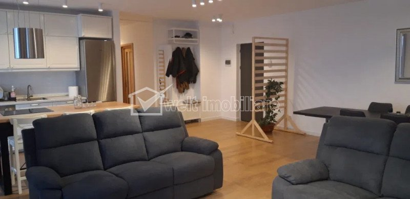 Inchiriere apartament 3 camere, 93 mp, 2 parcari, terasa, zona Piata 1 Mai