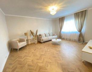 Apartament cu 3 camere, decomandat, etaj intermediar, finisat lux, Marasti