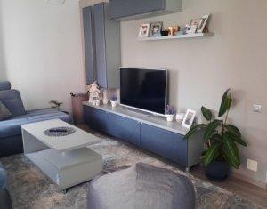 Apartament 3 camere, spatios, complet mobilat, zona Vivo