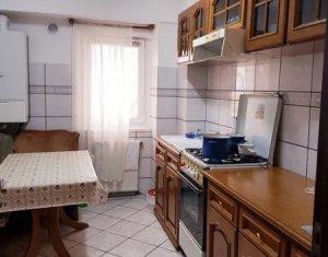 Zona UMF - Apartament de 3 camere, 2 bai, decomandat, + garaj, strada Pasteur