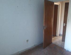 Apartament 4 camere, zona strazii Bucegi, Manastur, etaj 1, pret avantajos