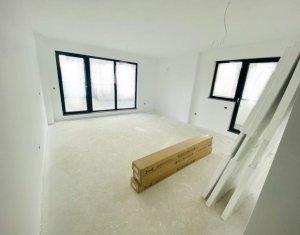 Apartament 3 camere 80 mp + 40 mp terasa, in spate la Vivo