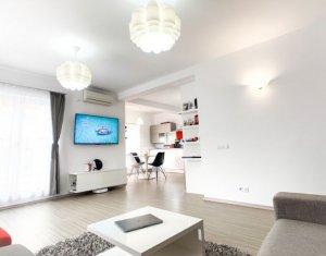 Vanzare apartament 3 camere, modern, curte, parcare, etaj intermediar, Zorilor