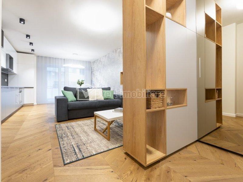 Apartament 2 camere, semidecomandat, Scala Center