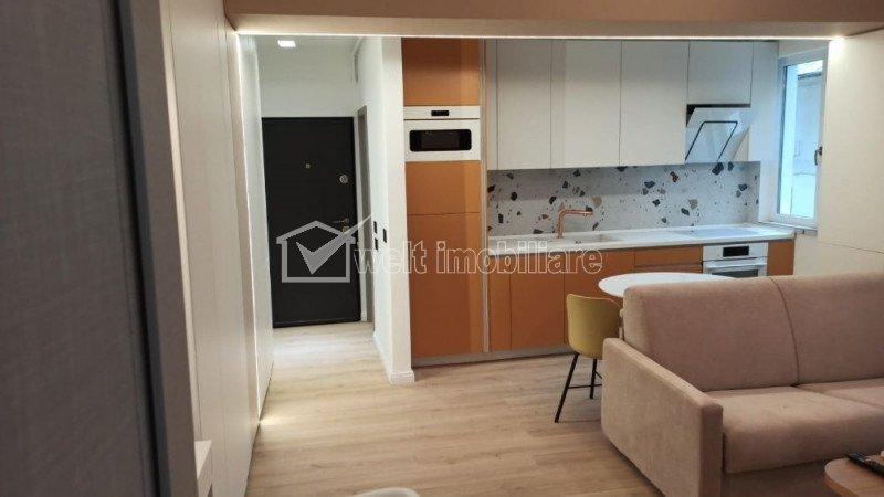 Apartament 2 camere, semidecomandat, P-ta Mihai Viteazu