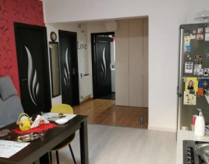 Vanzare apartament cu 2 camere, decomandat, terasa, parcare, cartier Europa