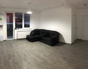 Apartament 3 camere, finisat, parcare, etaj 1, zona centrala