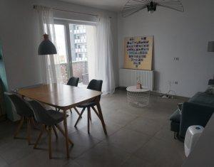 Vanzare apartament 3 camere Semicentral, etaj intermediar, parcare subterana