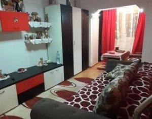 Apartament tip garsoniera, balcon inchis, parter inalt, Marasti