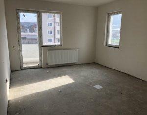 Apartament 3 camere decomandat, etaj 1, zona centrala