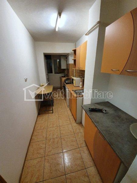 Apartment 4 rooms for rent in Cluj-napoca, zone Manastur