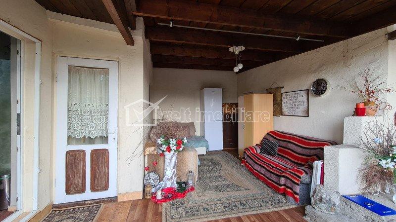 Casa individuala, 63 mp, curte 126 mp, terasa, pivnita, garaj, zona semicentrala