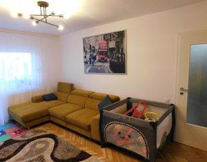 Apartament 3 camere, etaj intermediar, complet renovat, decomandat, Titulescu