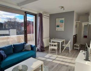 Inchiriere apartament cu 2 camere, terasa si parcare, cartier Andrei Muresanu
