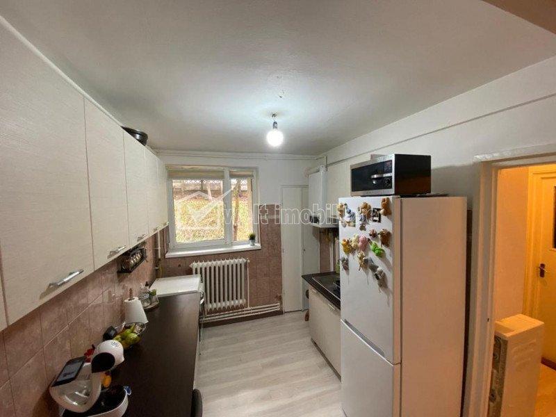 Ocazie! Apartament cu 4 camere vis-a-vis de Iulius Mall, Gheorgheni, parcare