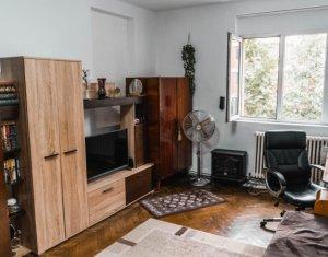 Apartament 3 camere + balcon inchis, 65 mp, in apropierea Garii